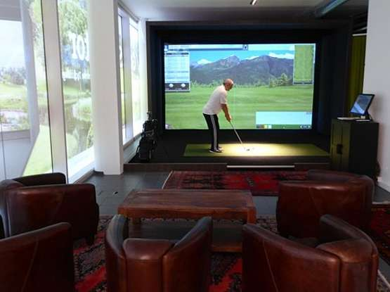 Golf-Simulator Full Swing S8 Wide Screen